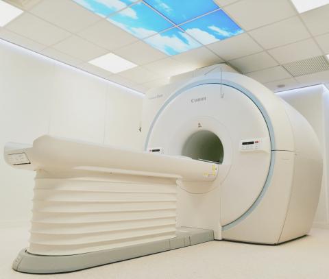 Foto de la sala de Ressonància Magnètica de la Clínica Salus Infirmorum de Banyoles