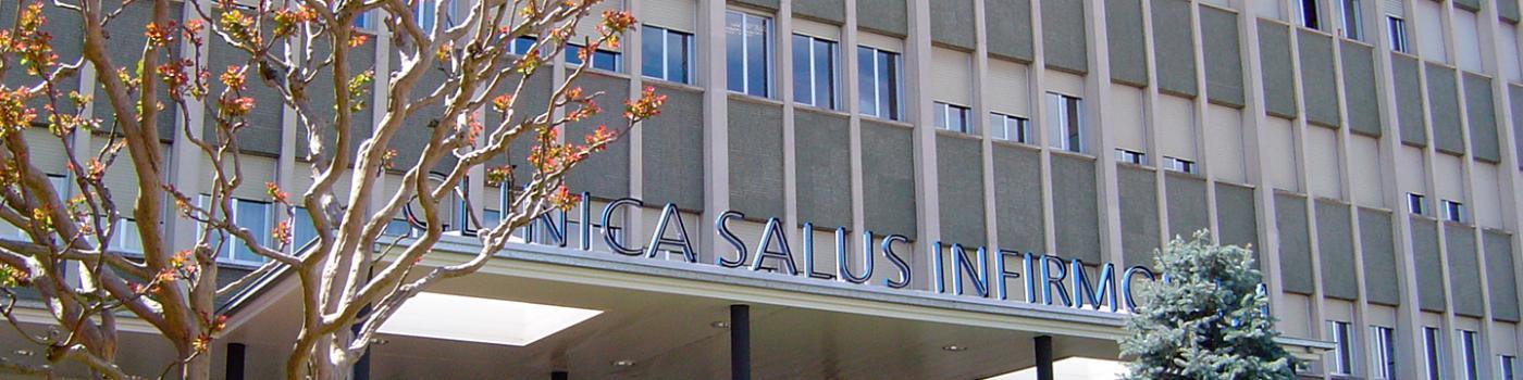 Façana de la Clínica Salus Infirmorum, Banyoles, Girona