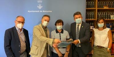 Signatura del conveni entre l'Ajuntament de Banyoles i la Clínica Salus Infirmorum